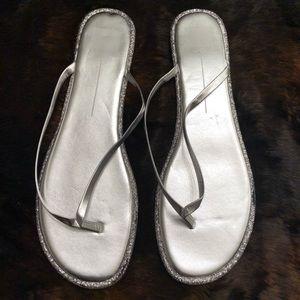 Dolce Vita Dawn Sandal In Silver Glitter